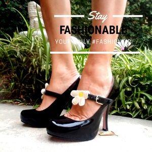 Leg Avenue shoes